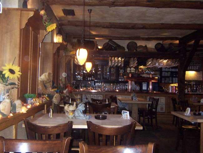 http://www.krumme-linde.de/images/linde/restaurant-kneipe-1.jpg