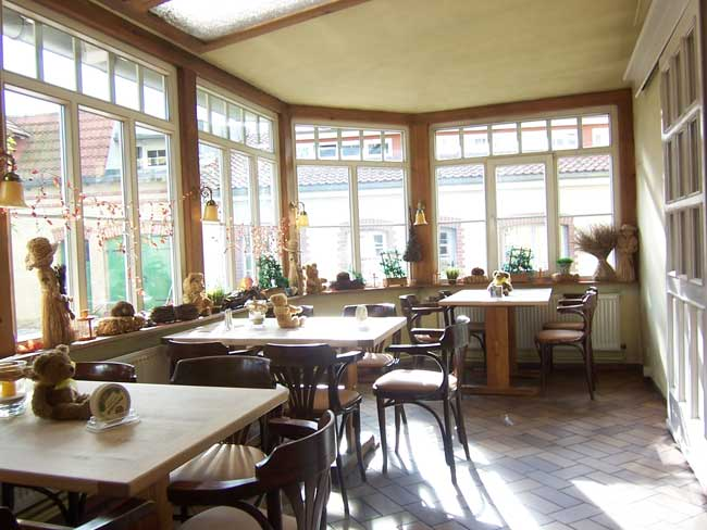 restaurant und hotel n rdlich von berlin reinickendorf beschreibung wintergarten. Black Bedroom Furniture Sets. Home Design Ideas